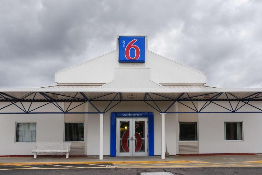 Motel  East Providence