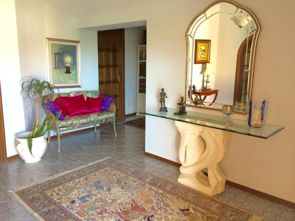 Chambres du0026#39;hu00f4tes Tony Home (Italie Olbia) - Booking.com