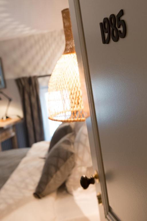 chambres d 39 h tes logis de la cad ne chambres d 39 h tes saint milion. Black Bedroom Furniture Sets. Home Design Ideas