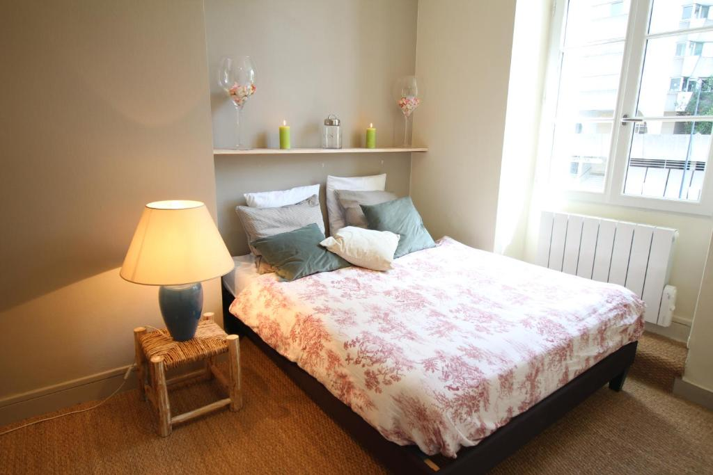 Appartement t2 hypercentre gambetta locations de vacances for Appartement t2 bordeaux location