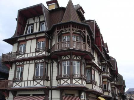 Appartement etretat appartement tretat en seine for Appart hotel etretat