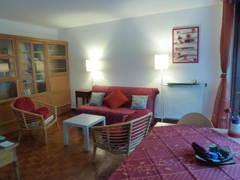Appartement les muriers blancs locations de vacances aix - Mini seche linge appartement ...