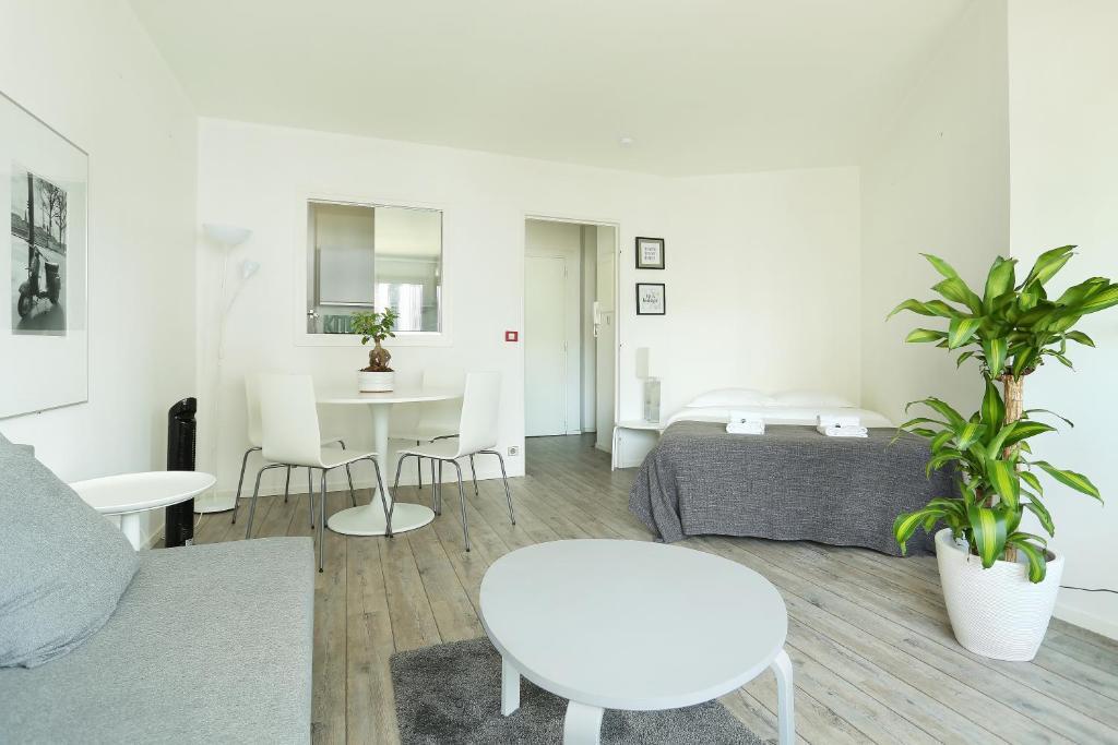 Apartment montparnasse avenue du maine montrouge for Garage avenue du maine