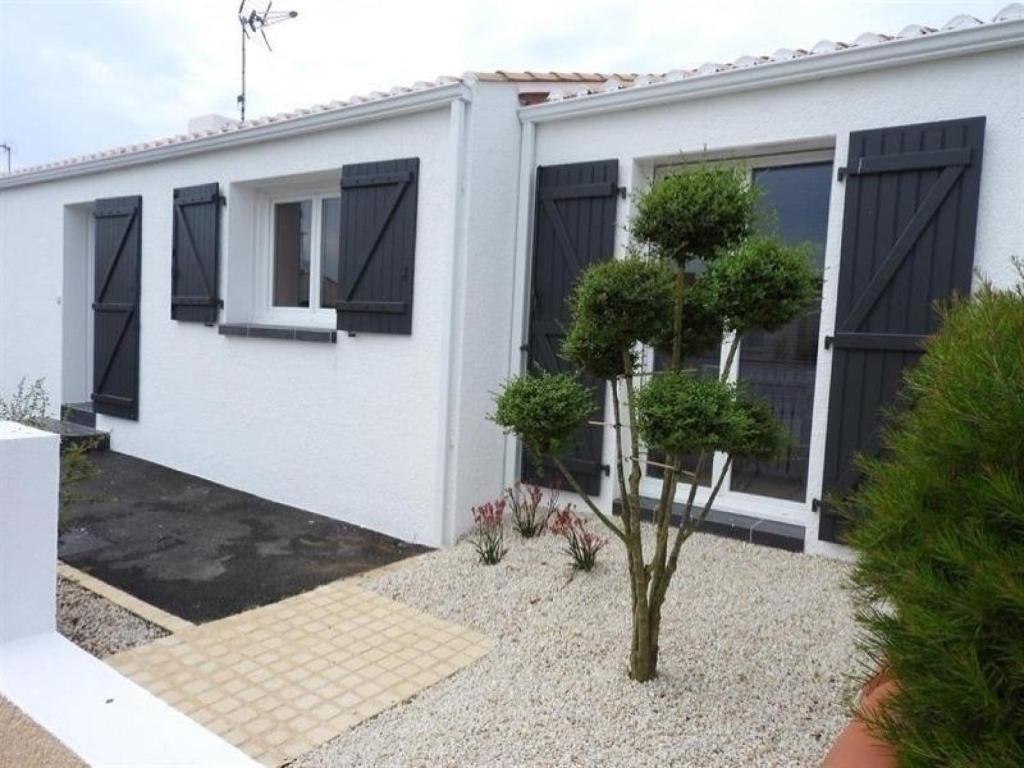 Villa Rue Des Hibiscus Avec Jardin La Pironni Re