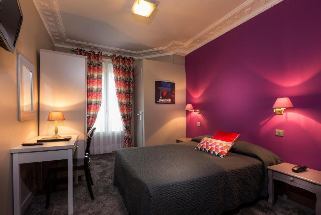 Hotel Donjon Vincennes Parking