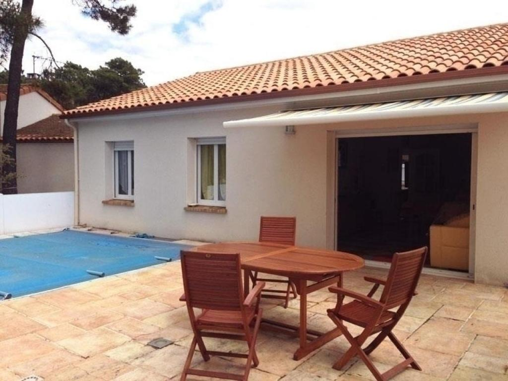 Villa avec piscine privative locations de vacances la for Hotel avec piscine privative