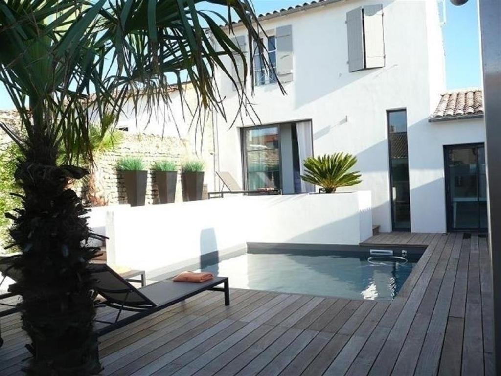 Villa ile de re villa d 39 architecte contemporaine piscine for Villa ile de re