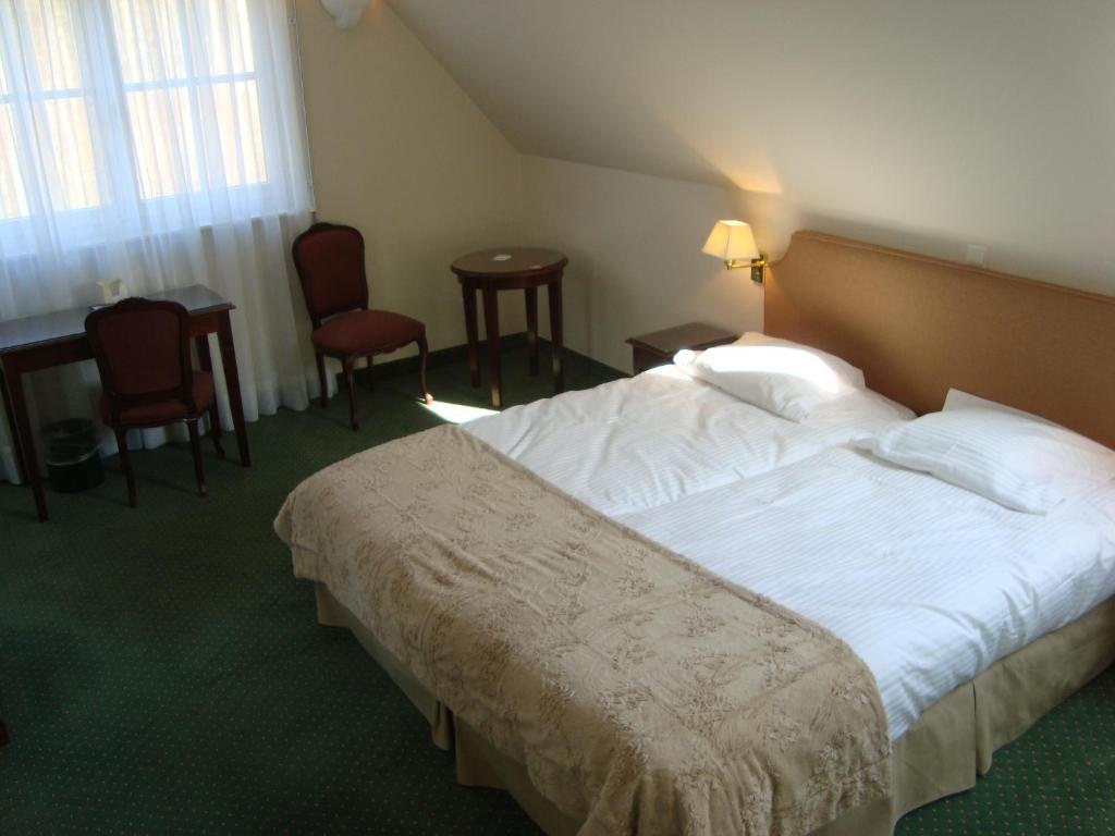Hotel chateau de limelette r servation gratuite sur viamichelin - Decoration jardin ottignies ...