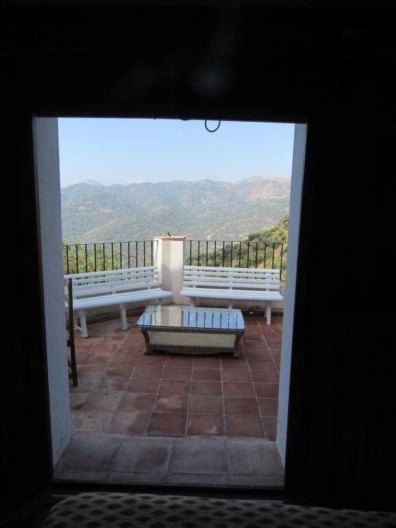 Casas rurales jardines del visir casares reserva tu for Casa rural con jardin