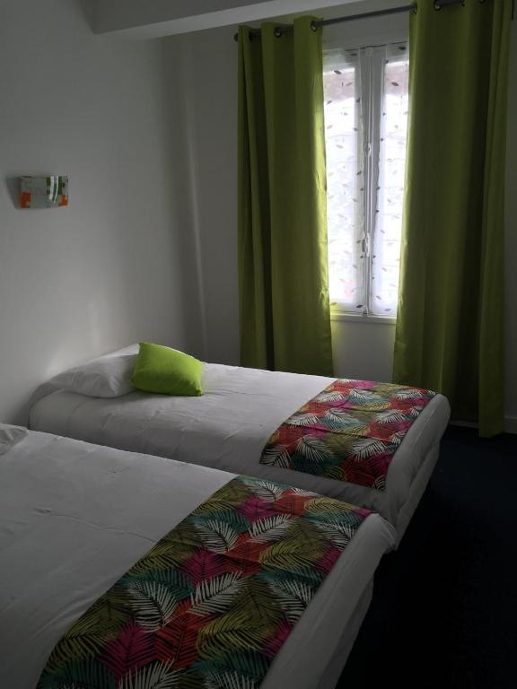 Hotel bistrot de la place royan for Hotel appart royan