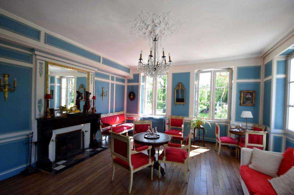 hotel particulier la gobine joigny france. Black Bedroom Furniture Sets. Home Design Ideas