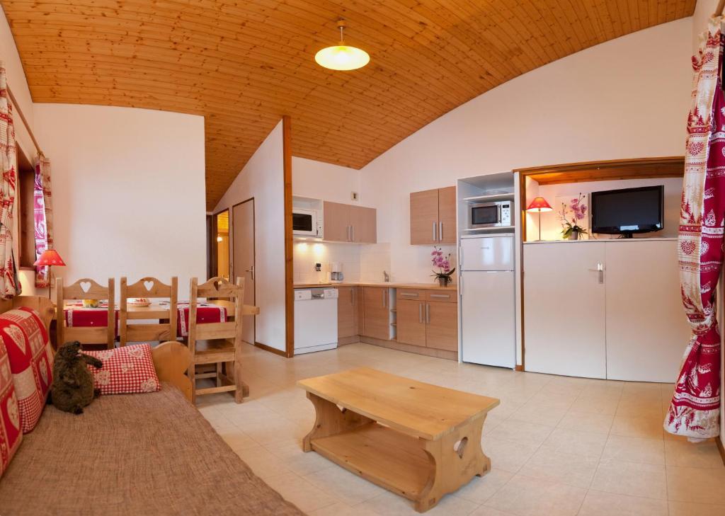 azur va la clusaz les aravis locations de vacances la clusaz. Black Bedroom Furniture Sets. Home Design Ideas