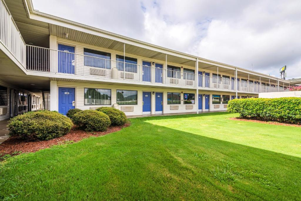 Motel 6 Anniston Oxford Book Your Hotel With Viamichelin