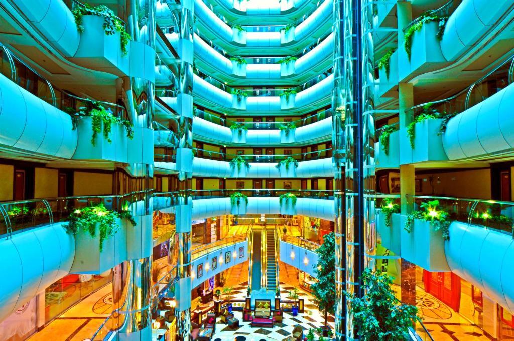 Emirates concorde deluxe hotel apartments dubai book for Deluxe hotel dubai