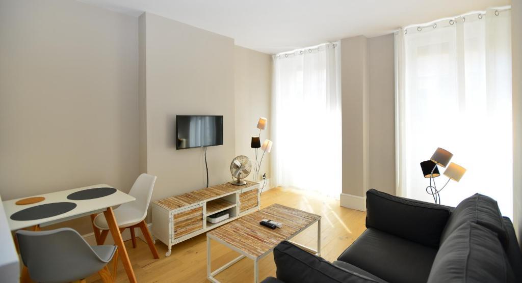 Appartement appart 39 cuvier appartement lyon dans le - Hotel lyon chambre 4 personnes ...