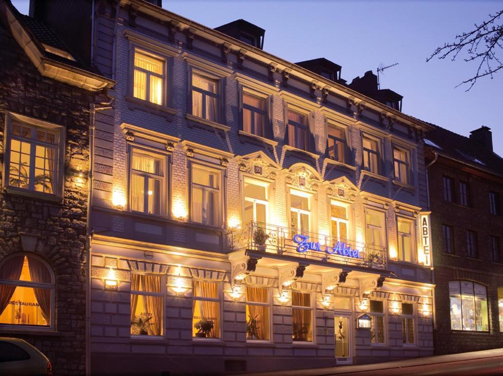 Design hotel zur abtei stolberg informationen und for Designhotel aachen