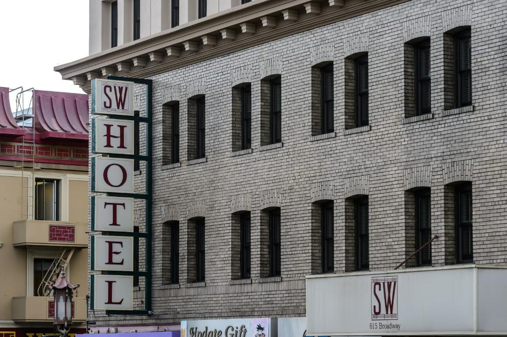 Sw hotel san francisco book your hotel with viamichelin for Royal pacific motor inn reviews