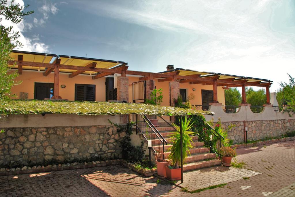 Villa olivia italia itri for Piani patio gratuiti
