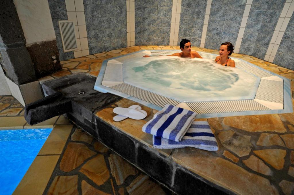 hotel la sapini re brioude book your hotel with viamichelin. Black Bedroom Furniture Sets. Home Design Ideas
