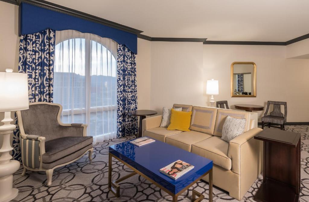 Paris las vegas hotel casino las vegas online for Booking paris hotel