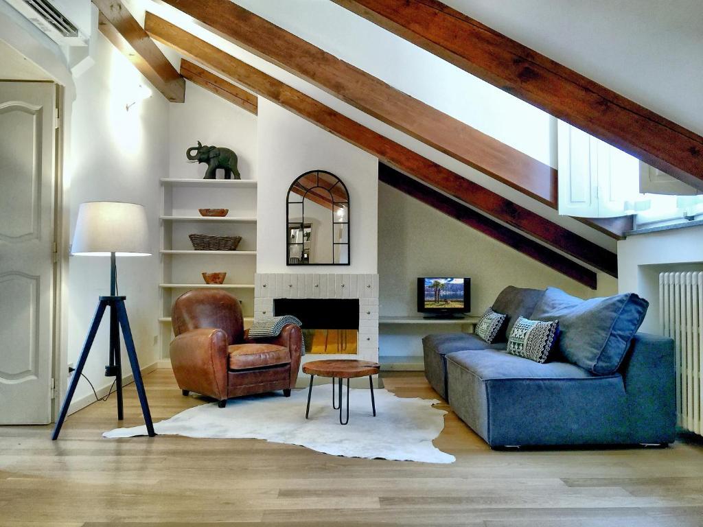 loft apartment furniture. Galería De Imágenes Este Alojamiento Loft Apartment Furniture N