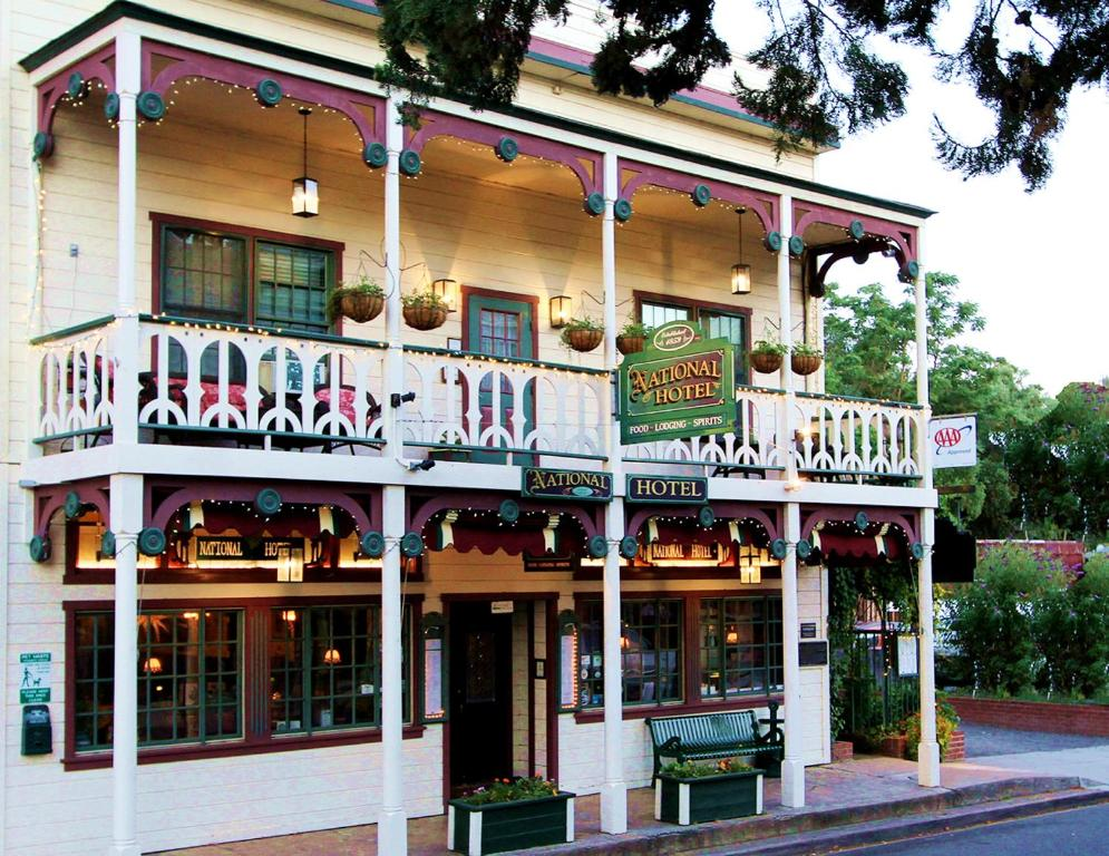 Jamestown Hotel Restaurant
