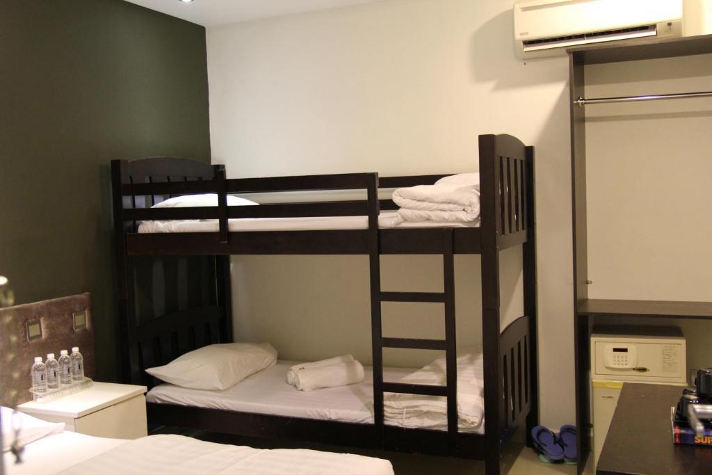 M design hotel seri kembangan kajang book your hotel for Hotel m design