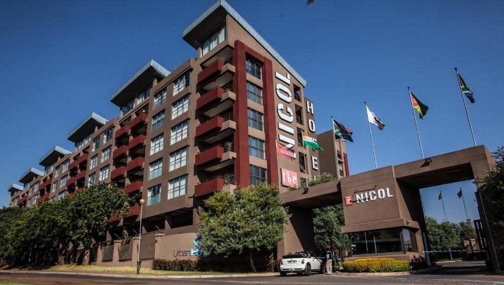 Urban hip hotels the nicol hotel johannesburg south for Hippest hotels