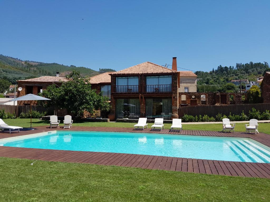 Casa de baixo petit hotel oliveira do hospital for Piani di casa da 5000 piedi quadrati