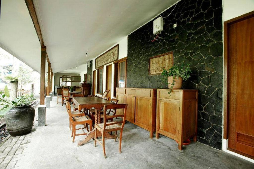 e599deb58 Ronia Mountain Villa Lembang (إندونيسيا ليمبانغ) - Booking.com