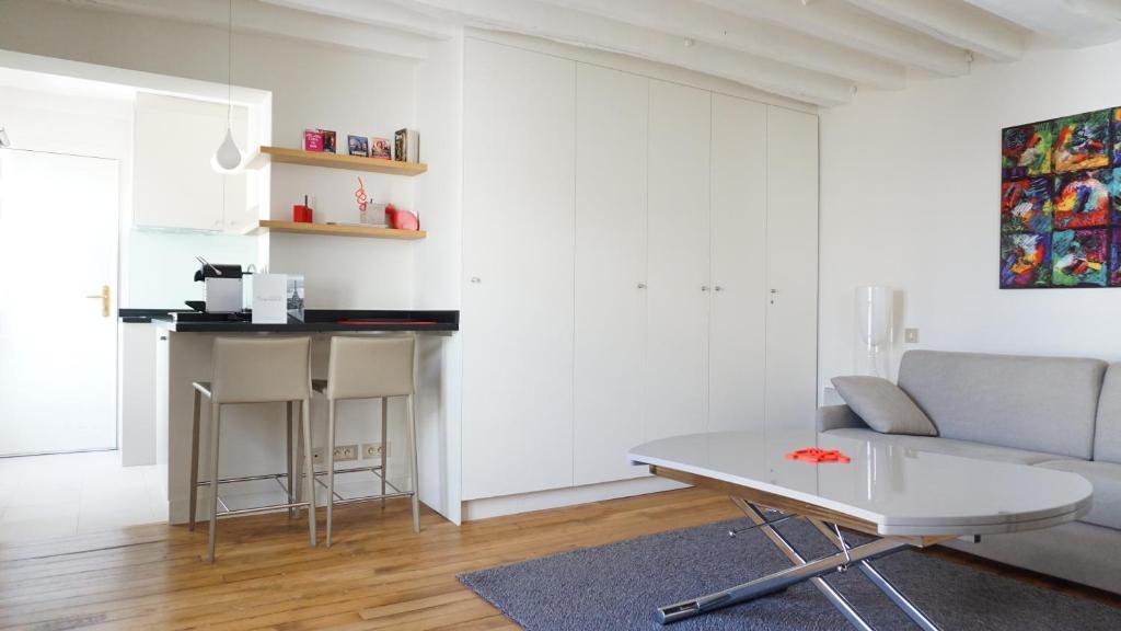 Appartement rue bonaparte paris 6 locations de vacances paris - Rue bonaparte paris 6 ...