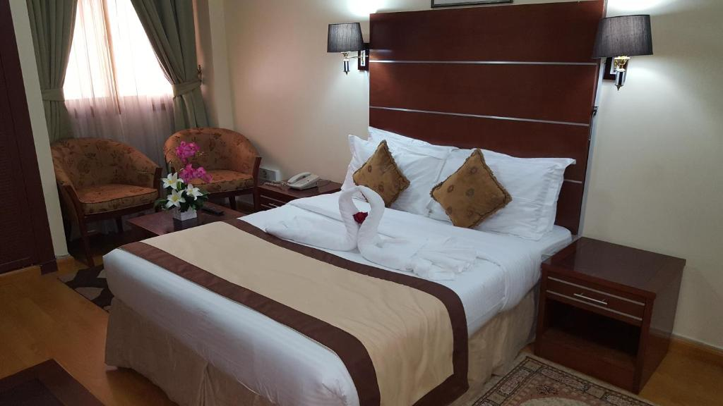 London Crown  Hotel Apartments Dubai