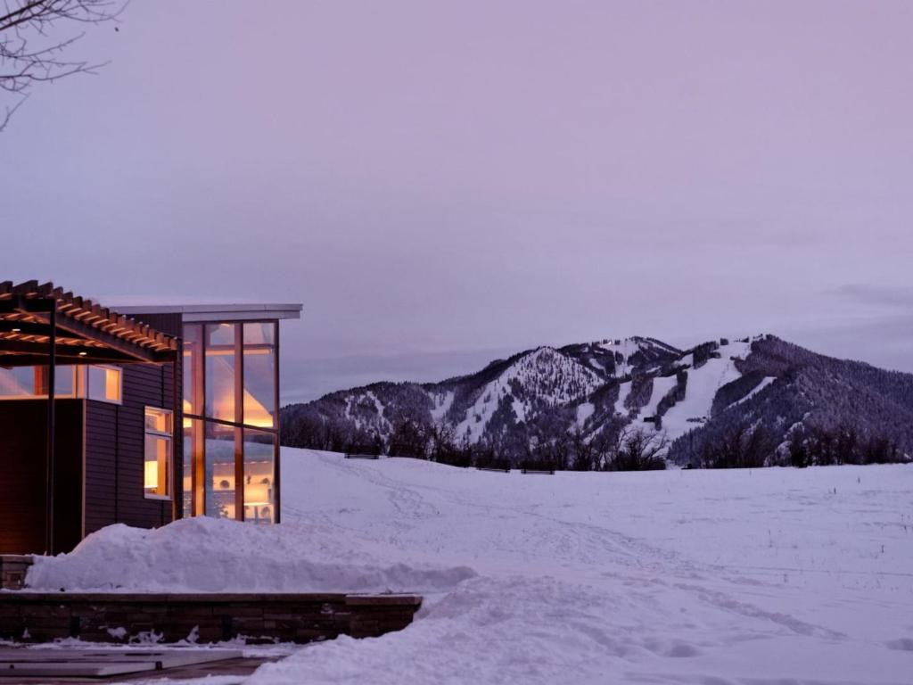 Nell holiday home aspen co for Aspen house