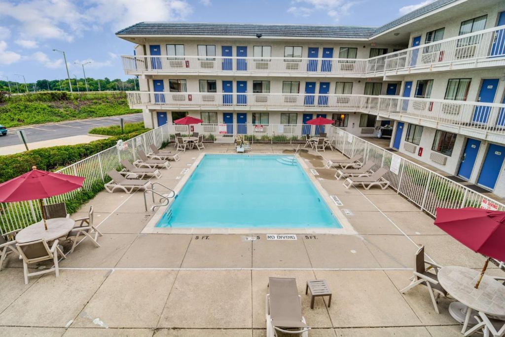 Motel 6 Chicago Northwest Rolling Meadows Palatine Book Your Hotel With Viamichelin