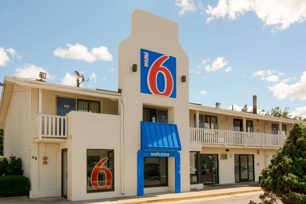 Motel 6 leominster leominster informationen und for North main motors leominster ma