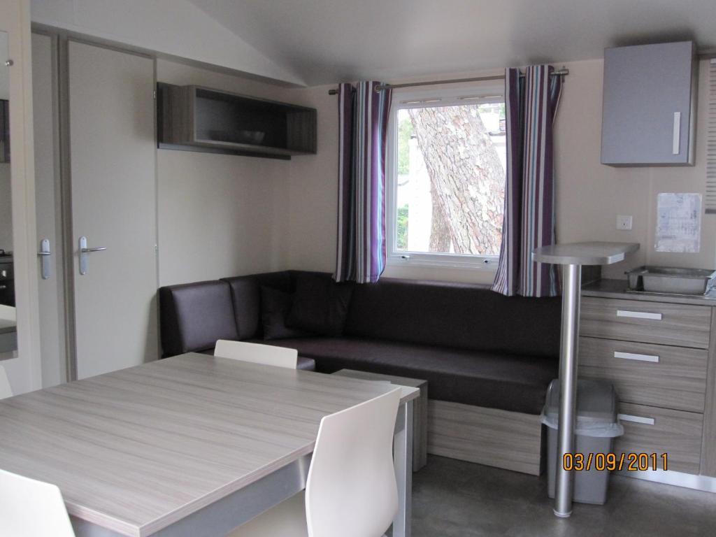 Quest en france holidays mobile home at jard sur mer for Modular homes france