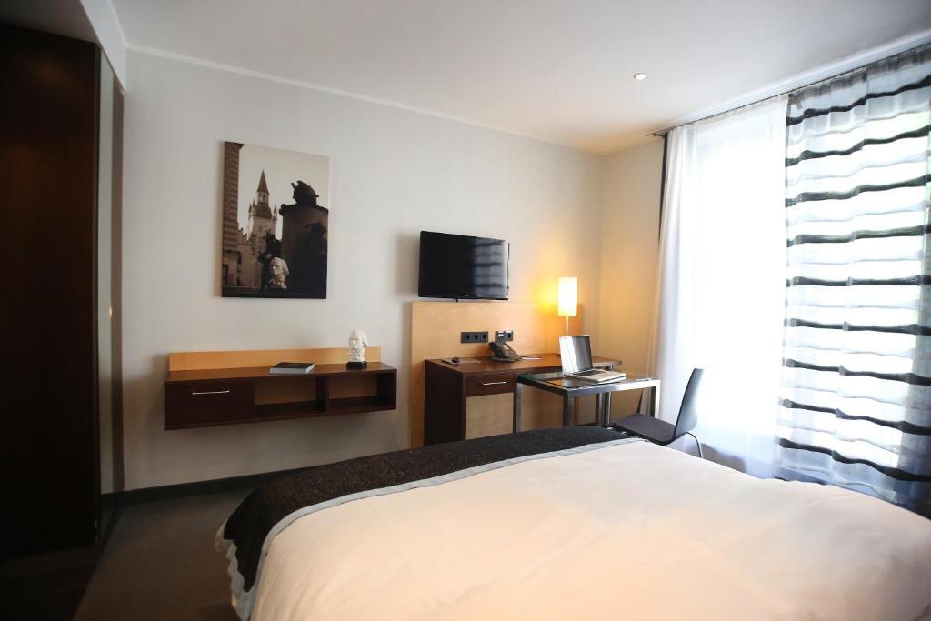 schiller 5 hotel m nchen viamichelin informatie en online reserveren. Black Bedroom Furniture Sets. Home Design Ideas
