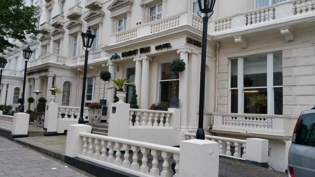 Holiday villa hotel london book your hotel with - Holiday villa londres ...
