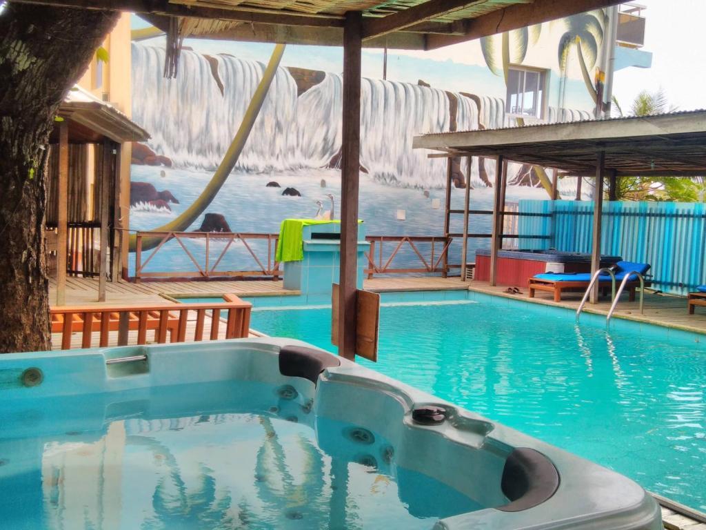 Kribi appart hotel kribi reserva tu hotel con viamichelin for Appart hotel plaisir