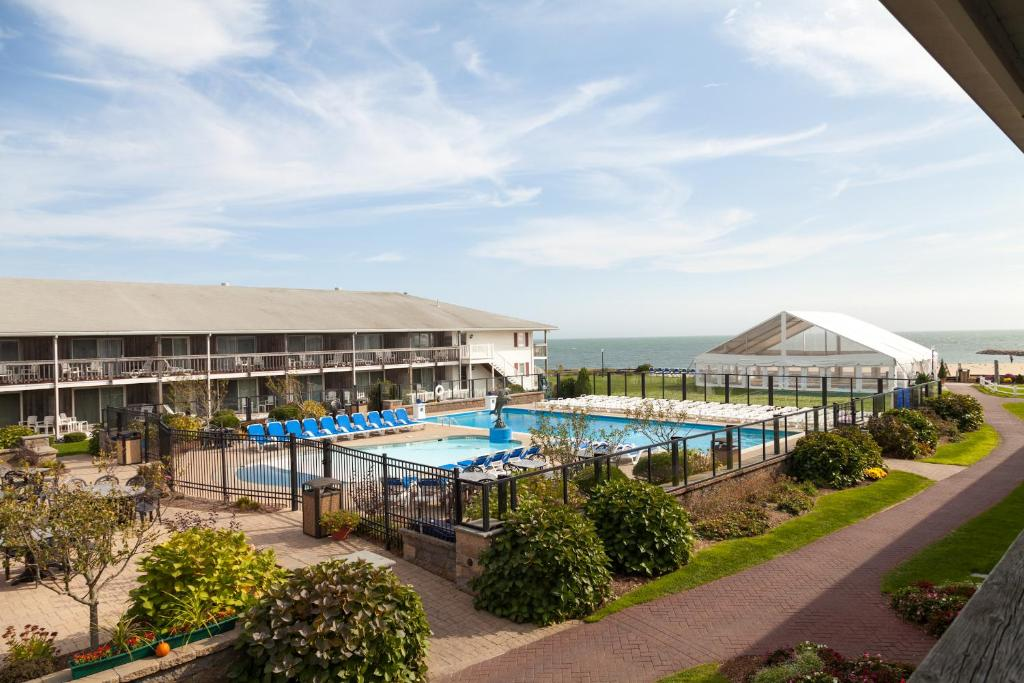 Red Jacket Beach Resort - West Yarmouth - book your hotel ...