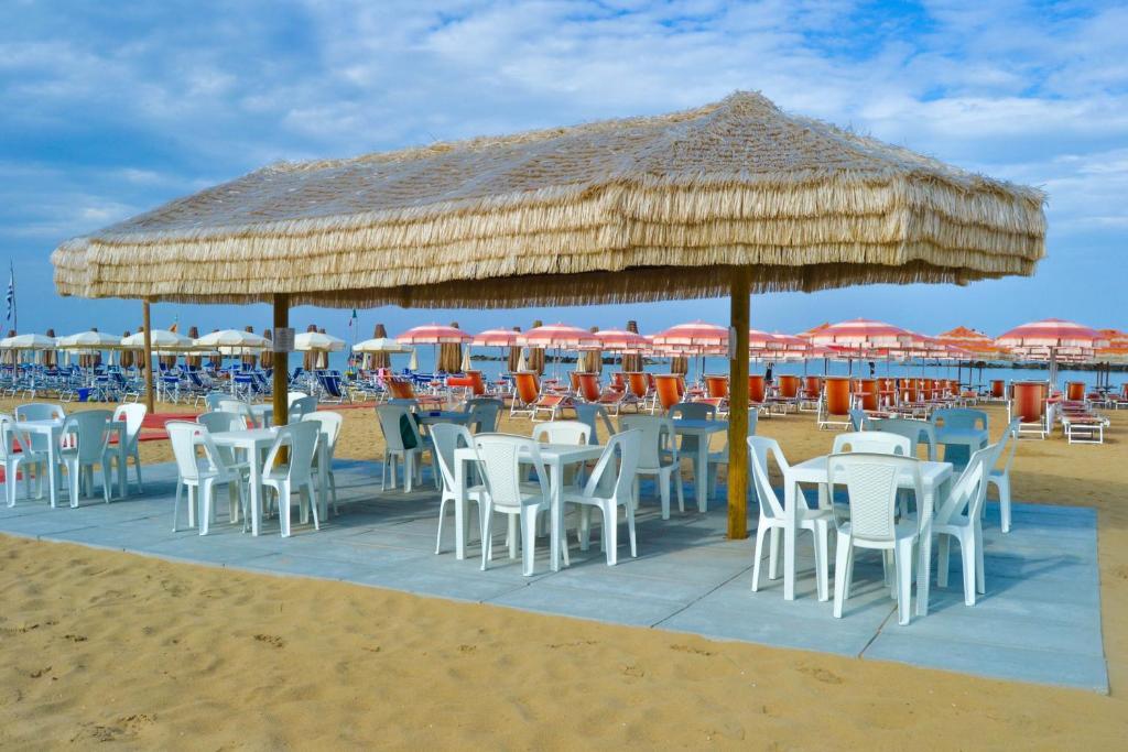 Hotel corallo francavilla al mare informationen und for Mobilia arredamenti francavilla al mare