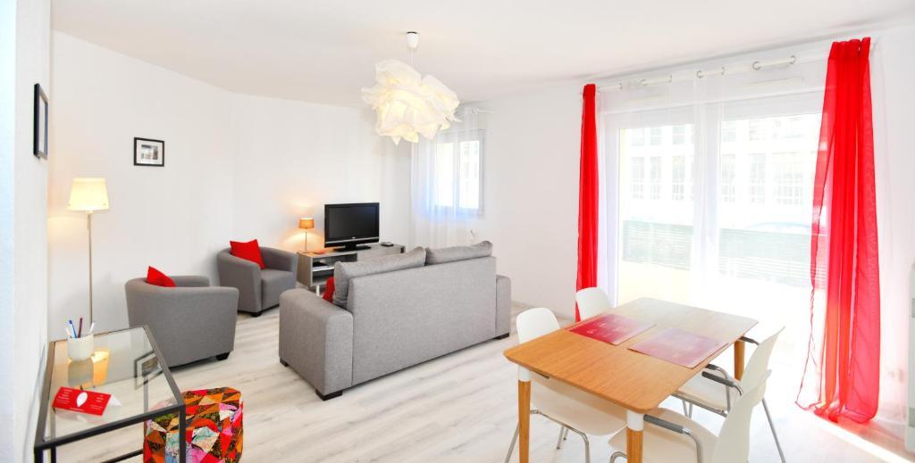 Appartement appart 39 lortet locations de vacances lyon - Hotel lyon chambre 4 personnes ...