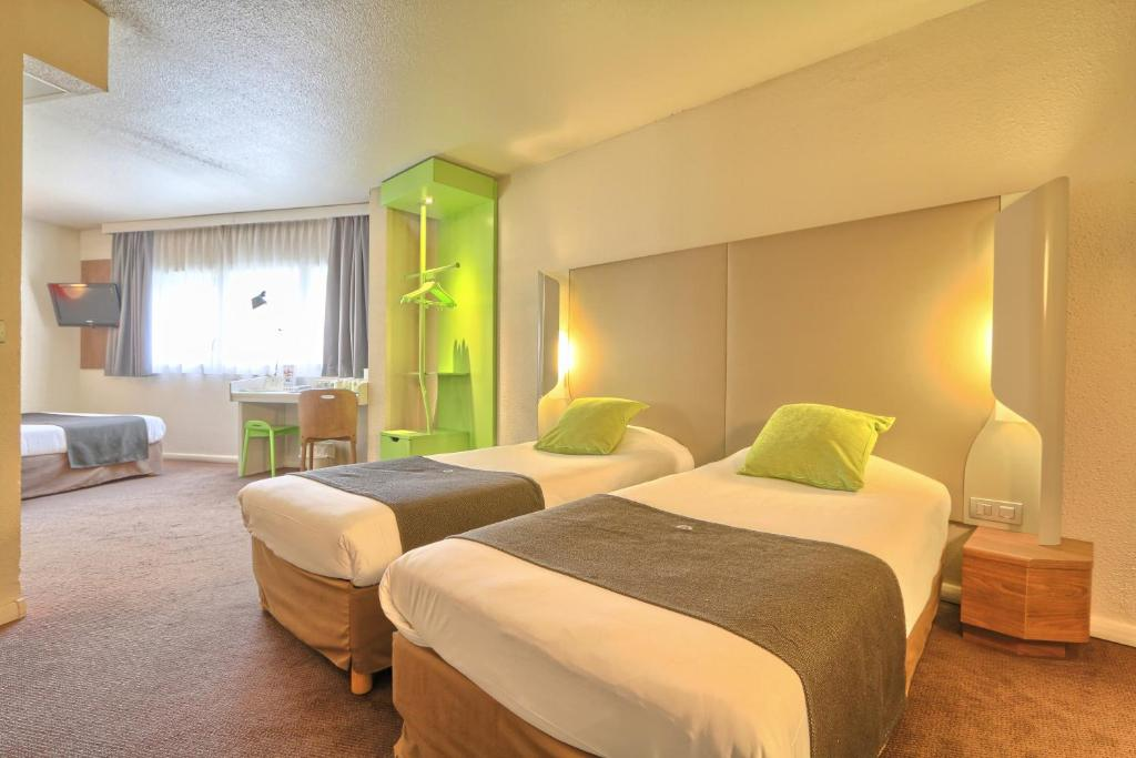 hotel campanile roissy roissy en france. Black Bedroom Furniture Sets. Home Design Ideas