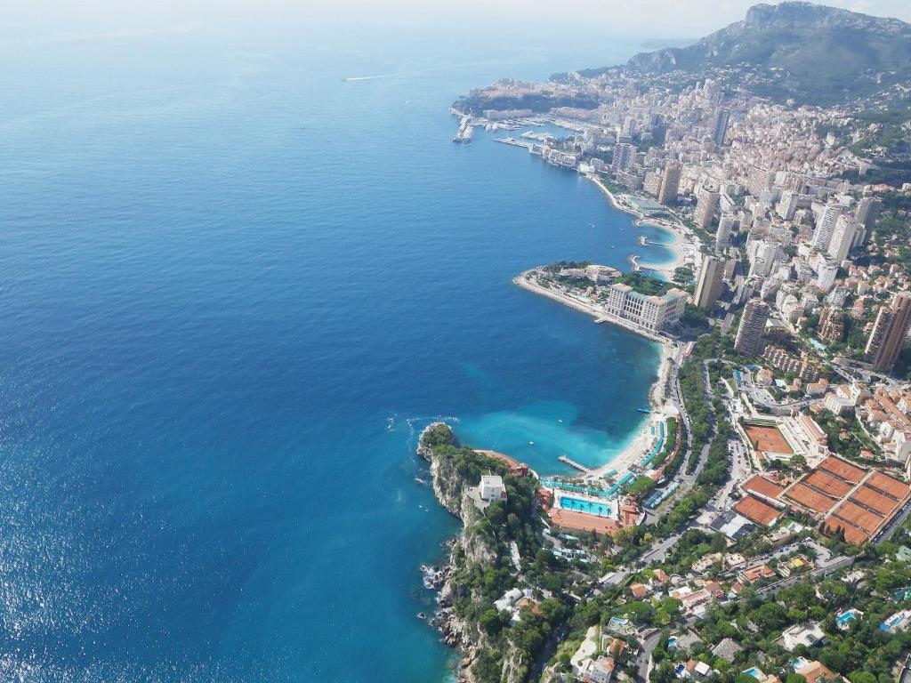 Le golfe bleu gites et locations roquebrune cap martin - Roquebrune cap martin office du tourisme ...