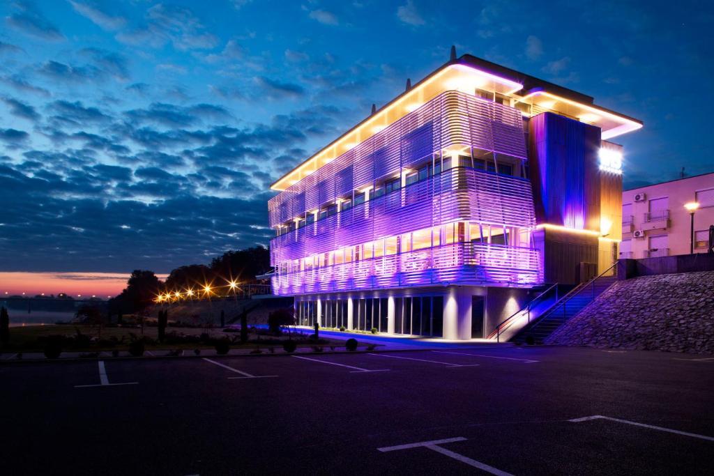 Hotel navis ora je informationen und buchungen online for Design hotel i restoran navis
