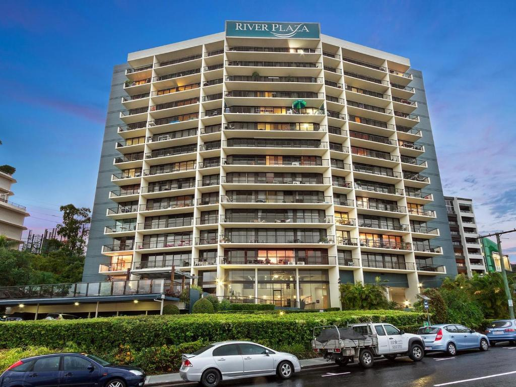 River Plaza Apartments Brisbane Book Your Hotel With
