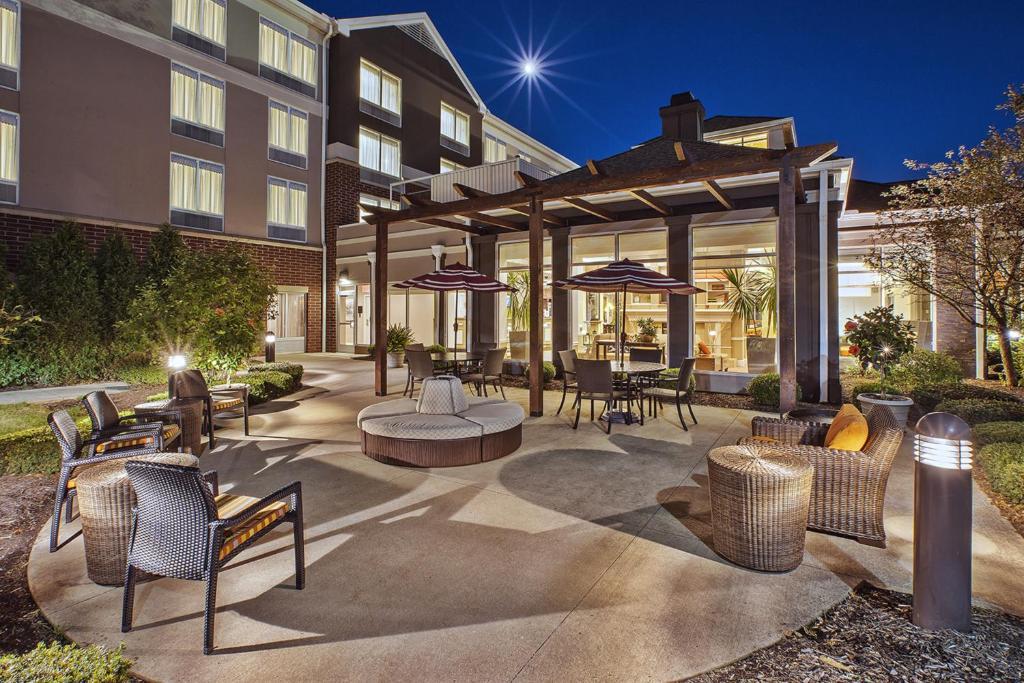 Hilton Garden Inn Akron Canton Airport North Canton Book Your Hotel With Viamichelin