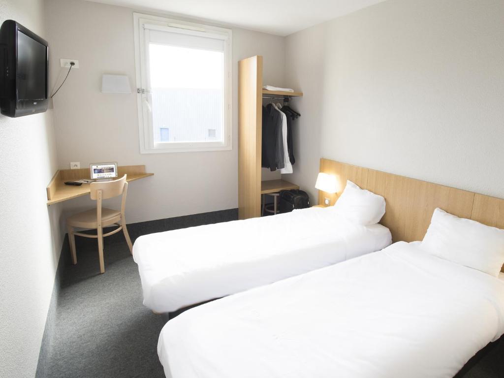b b h tel auxerre mon teau r servation gratuite sur viamichelin. Black Bedroom Furniture Sets. Home Design Ideas