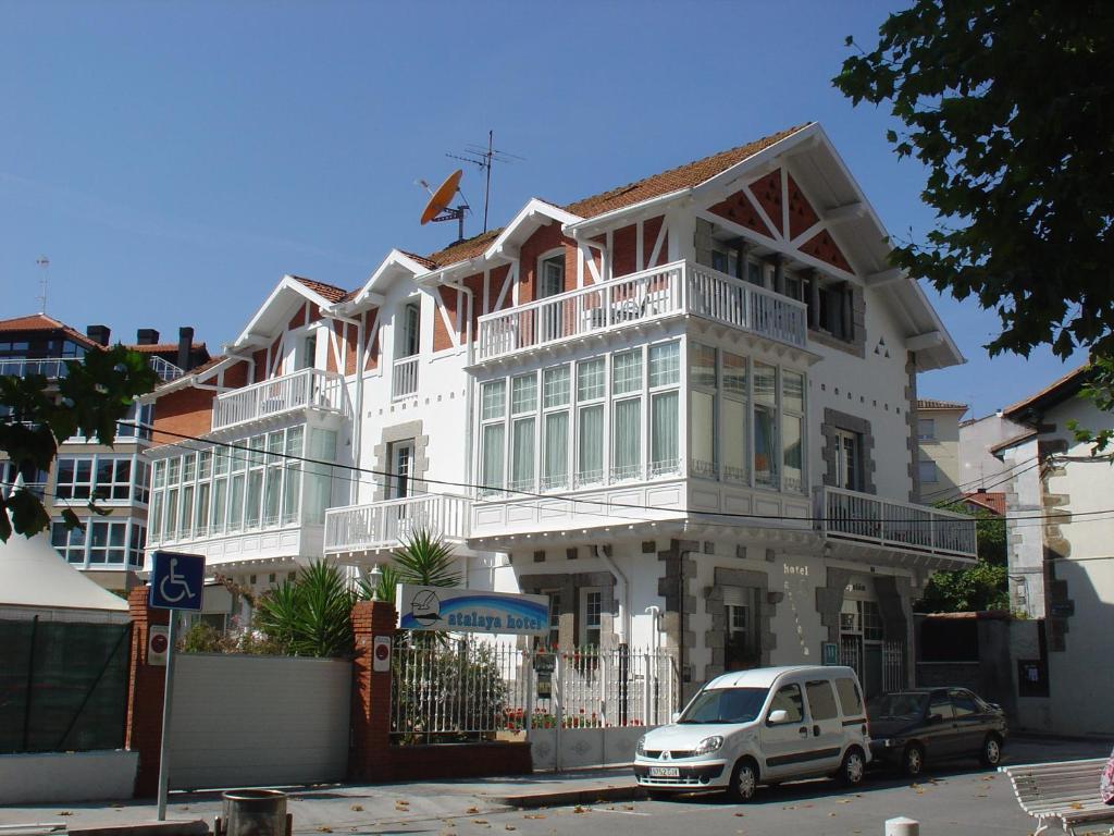 Hotel atalaya r servation gratuite sur viamichelin for Reserver hotel payer sur place