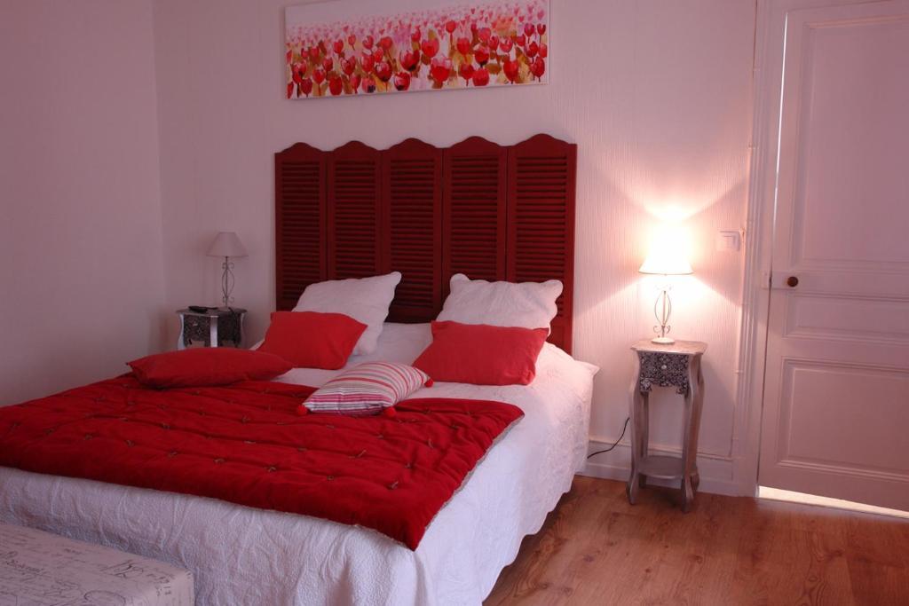 chateau la mothe charente chambres d 39 h tes nersac. Black Bedroom Furniture Sets. Home Design Ideas